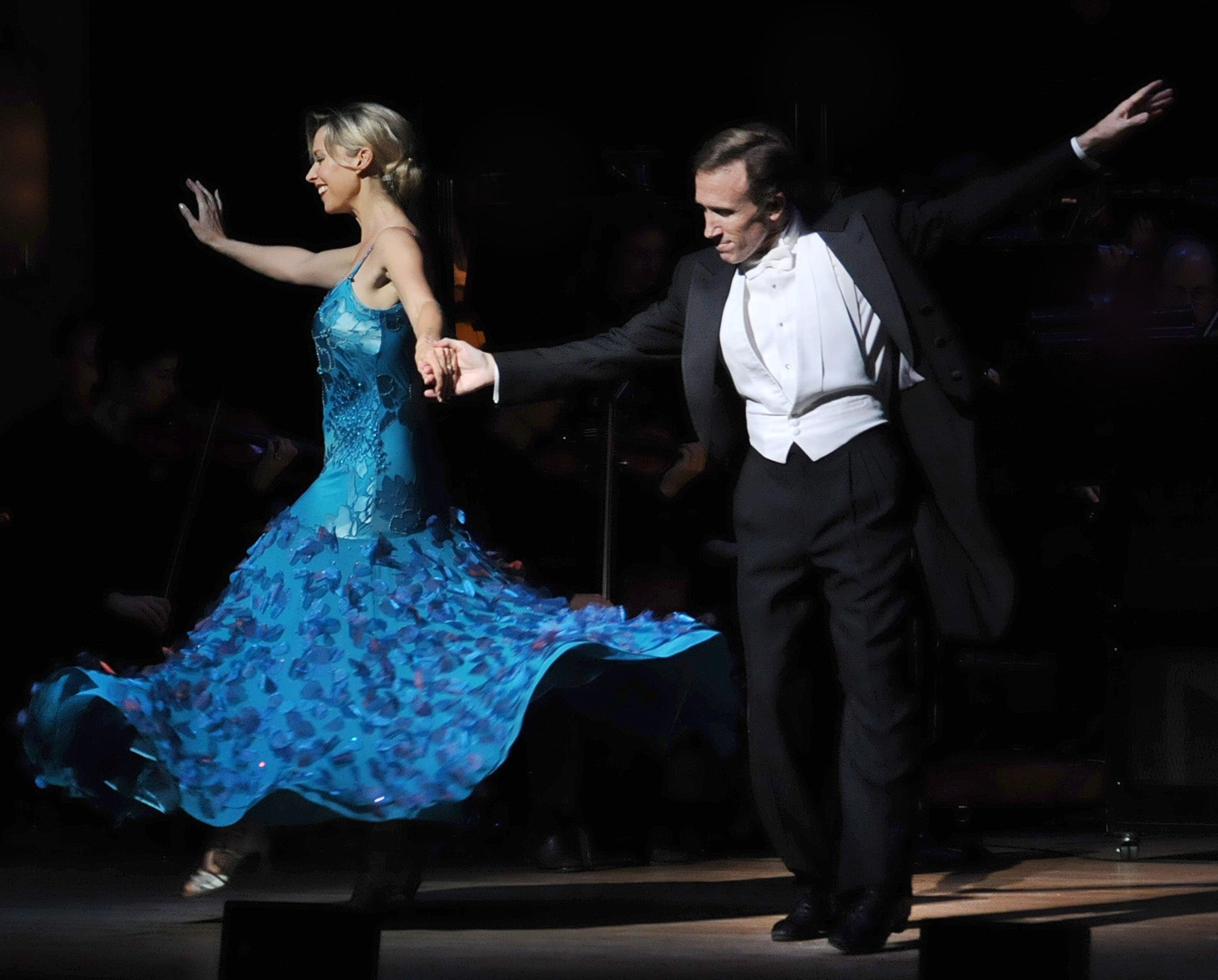 MOSC Pops Dancing & Romancing